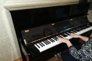 Три новых фортепиано для детских школ искусств