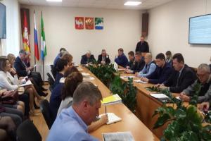 Виктор Лукьянов провел расширенное совещание с главами поселений района